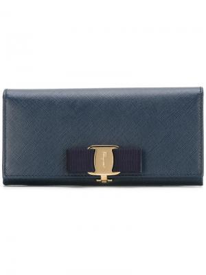 Удлиненный кошелек Vara Salvatore Ferragamo. Цвет: синий