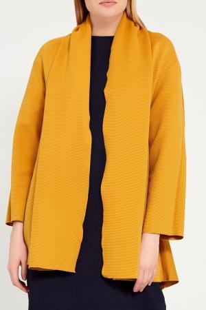 Желтое пальто-накидка из текстурированной ткани Cyrille Gassiline. Цвет: желтый