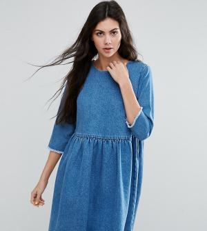 ASOS Tall Синее выбеленное джинсовое свободное платье. Цвет: синий