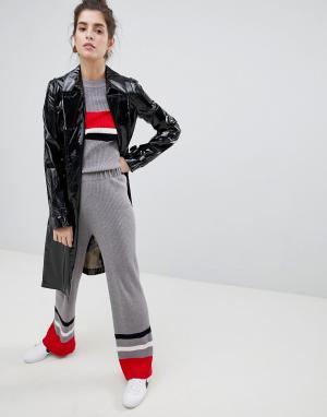 Neon Rose Трикотажные брюки с полосками колор блок. Цвет: серый