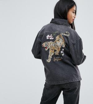 Chorus Petite Джинсовая куртка оверсайз с вышивкой тигра. Цвет: черный