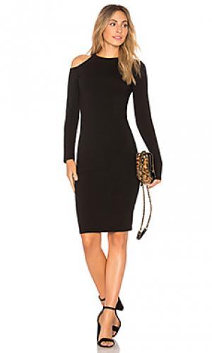 Платье с разрезами на плечах MONROW. Цвет: черный