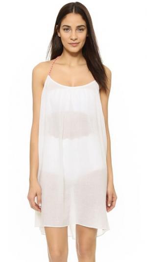 Очаровательное пляжное платье Surf Bazaar. Цвет: белый