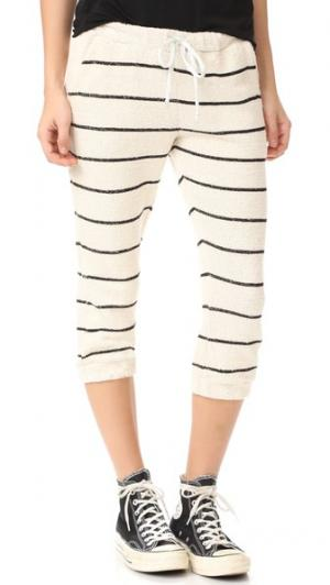 Укороченные брюки с напуском в полоску завязками Chaser. Цвет: соль/черный