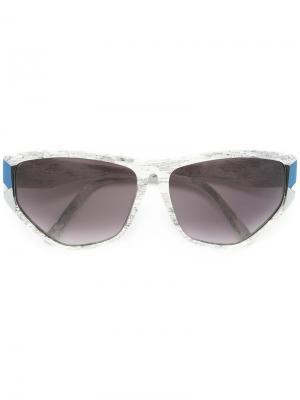 Солнцезащитные очки с геометрической оправой Krizia Vintage. Цвет: белый