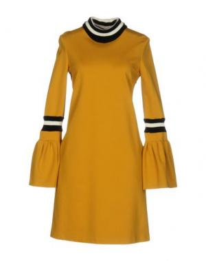 Короткое платье TENAX. Цвет: охра