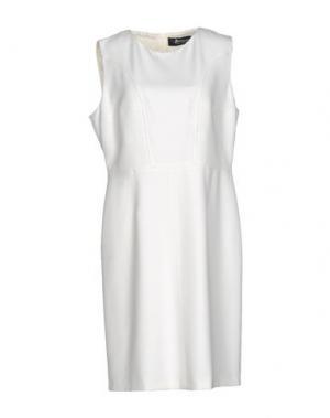 Платье до колена 22 MAGGIO by MARIA GRAZIA SEVERI. Цвет: белый
