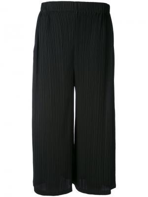 Плиссированные укороченные брюки Jil Sander. Цвет: чёрный