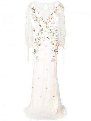 Вечернее платье с вышитыми цветами Marchesa Notte. Цвет: розовый и фиолетовый