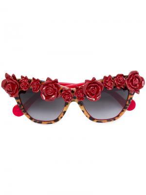 Солнцезащитные очки с розами Anna Karin Karlsson. Цвет: красный
