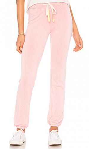Свободные брюки SUNDRY. Цвет: розовый