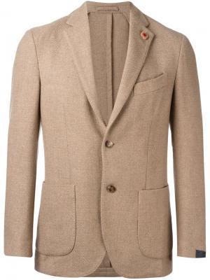 Пиджак с застежкой на две пуговицы Lardini. Цвет: телесный