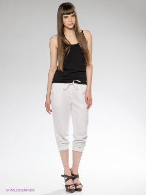 Бриджи Vero moda. Цвет: белый