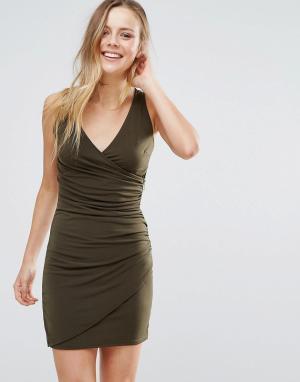 Wal G Облегающее платье с V-образным вырезом. Цвет: зеленый