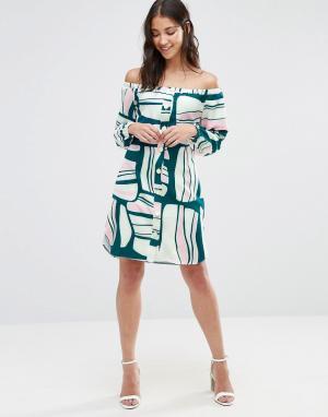 Closet London Платье с открытыми плечами и принтом в стиле ретро. Цвет: мульти