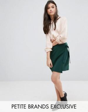 Alter Petite Мини-юбка с запахом спереди. Цвет: зеленый