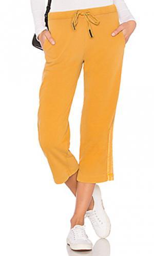 Широкие брюки Stateside. Цвет: горчичный