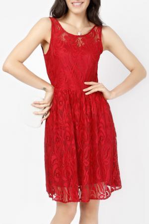 Платье LESARA. Цвет: красный