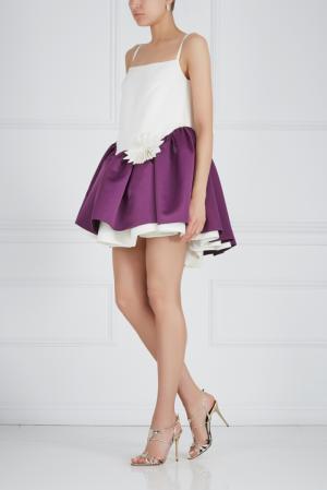 Платье с бутоньеркой Ester Abner. Цвет: молочный, фиолетовый