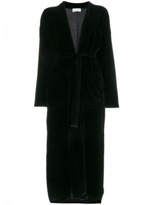 Бархатный пиджак с запахом и вышивкой Beau Souci. Цвет: чёрный