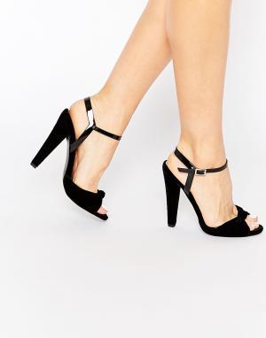 Paper Dolls Бархатные сандалии на каблуке с ремешком и узелком Wilde. Цвет: черный