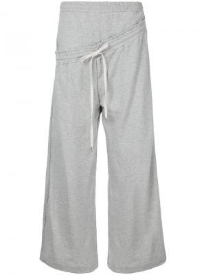 Трикотажные брюки Maison Mihara Yasuhiro. Цвет: серый