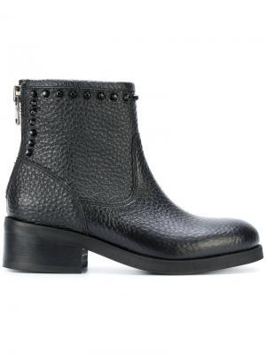 Ботинки с заклепками Nubikk. Цвет: чёрный