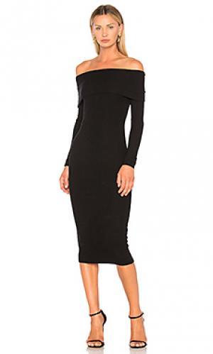 Платье с открытыми плечами GETTINGBACKTOSQUAREONE. Цвет: черный