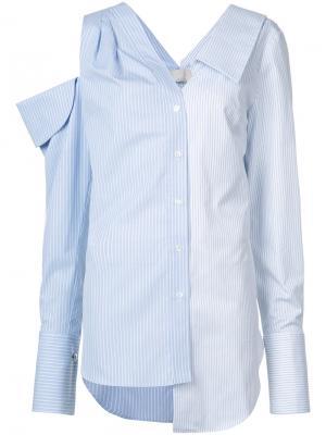 Полосатая рубашка с открытым плечом Monse. Цвет: синий