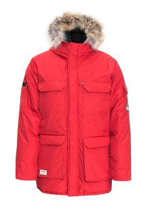 Парка-пуховик из хлопка с отделкой меха койота 152259 Woods Canada. Цвет: красный