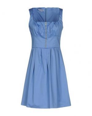 Короткое платье BIANCOGHIACCIO. Цвет: пастельно-синий