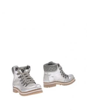 Полусапоги и высокие ботинки OCA-LOCA. Цвет: серебристый