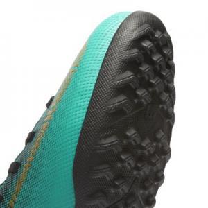 Футбольные бутсы для игры на искусственном газоне дошкольников/школьников  Jr. MercurialX Superfly VI Club CR7 TF Nike. Цвет: зеленый