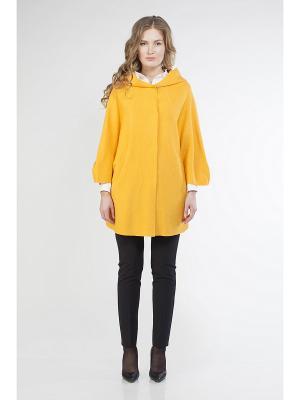 Пальто SHARTREZ. Цвет: желтый