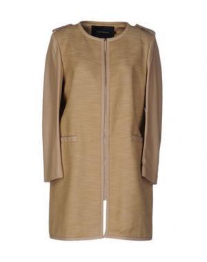 Легкое пальто TARA JARMON. Цвет: песочный