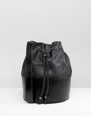 Park Lane Кожаная сумка-мешок. Цвет: черный