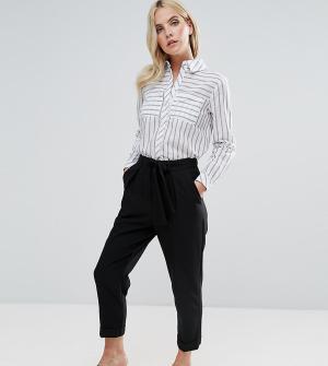 ASOS Petite Укороченные брюки-галифе с поясом. Цвет: черный