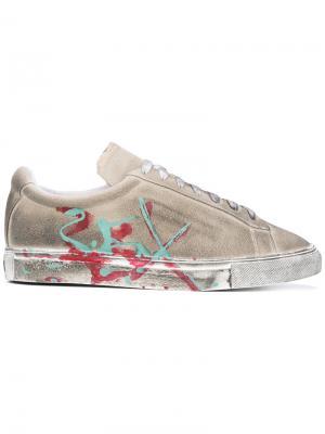 Кроссовки с брызгами краски Xander Zhou. Цвет: телесный