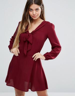 Unique 21 Короткое приталенное платье с длинными рукавами. Цвет: красный