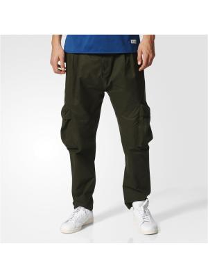 Брюки Adidas. Цвет: темно-зеленый