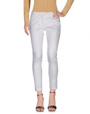 Повседневные брюки MAESTA. Цвет: белый