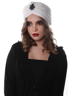 Чалма-шапочка утепленная на флисе Белый бархат со сверкающей брошью предварительно завязанная SEANNA. Цвет: белый