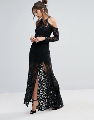 Love Triangle Платье с длинными рукавами и разрезом. Цвет: черный