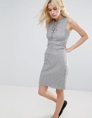 Greylin Платье в рубчик с вырезом Freija. Цвет: серый