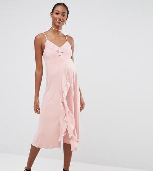ASOS Maternity Платье миди для беременных на бретельках с оборками WED. Цвет: розовый