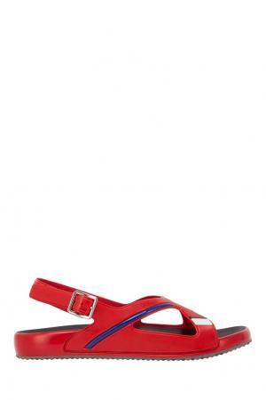 Резиновые сандалии Prada. Цвет: красный