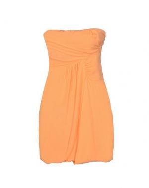 Короткое платье BETTY BLUE. Цвет: абрикосовый