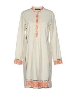 Короткое платье ANTIK BATIK. Цвет: белый