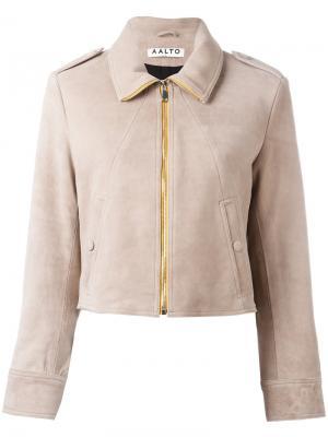 Укороченная куртка Aalto. Цвет: телесный