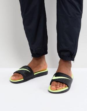 Nike Черные шлепанцы Benassi Solarsoft 705474-070. Цвет: черный